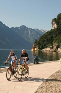 roadbike-experience-in-the-aktivhotel-santalucia-in-torbole-at-the-lake-garda