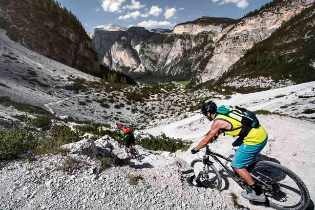 Gewinne einen MTB Urlaub in den Dolomiten