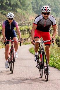 gewinnen-sie-einen-rennrad-urlaub-und-ein-dress-von-loeffler