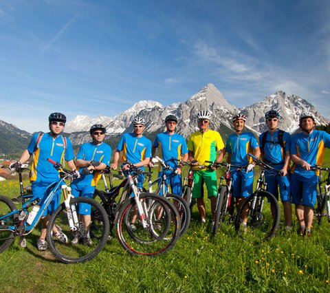 Bikeguide Georg & Team