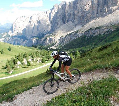 Gais Radregion in den Dolomiten