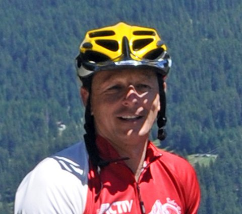Host and bikeguide Fritz