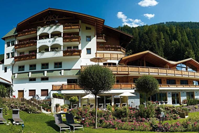 Hotel Weisses Lamm summer