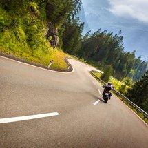 DAS HOTEL POST – Dein ****Motorrad-Hotel mit hoteleigenem Guide in St. Anton