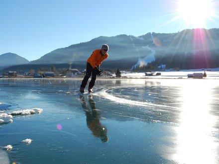 Ice skating at the Weissensee lake